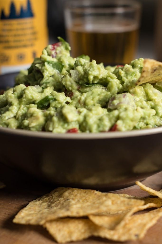How to make an amazing easy guacamole