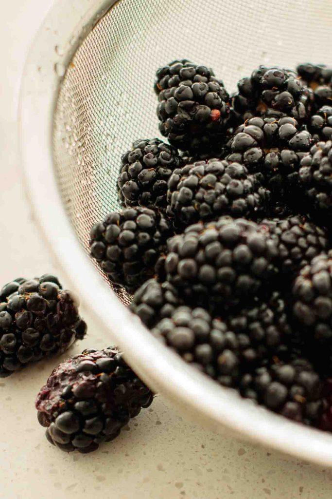 clean selected blackberries