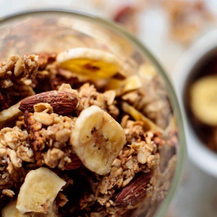 banana bread granola close up