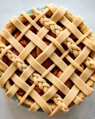 close up of sourdough pie crust