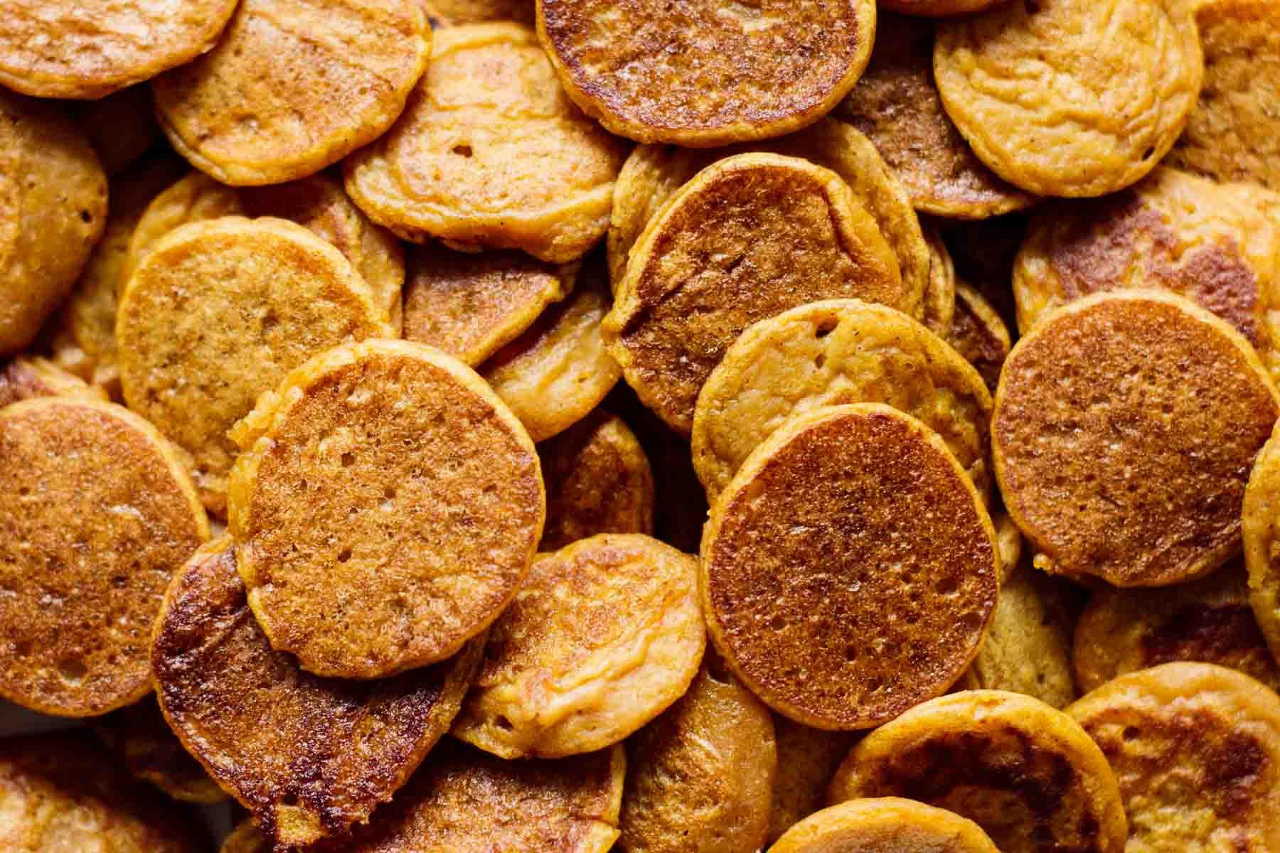 Close up on mini pancakes.